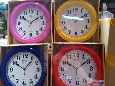 นาฬิกาติดผนัง ลั๊กกี้ Lucky รหัส 073 หน้าขาว