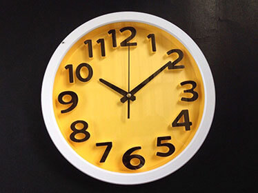 นาฬิกาติดผนัง ยี่ห้อ Good รหัส 182 สีเหลือง