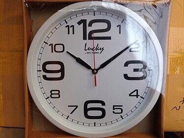 นาฬิกาติดผนัง ลักกี้ Lucky รหัส S44 สีขาว