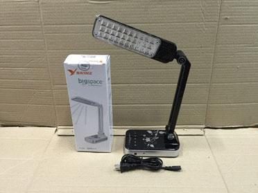 โคมไฟตั้งโต๊ะ LED ยี่ห้อ YAGE รุ่น YG-3986